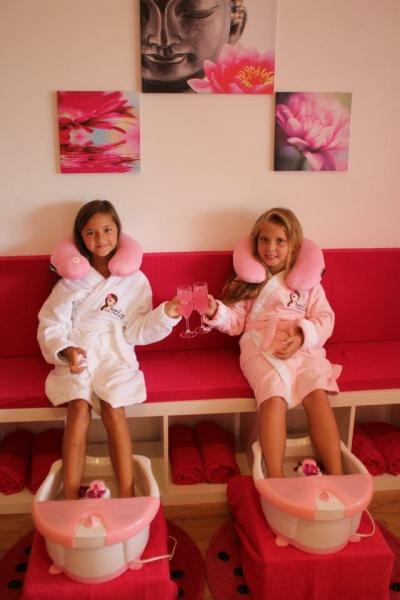 Spoil me kids day Spa -Sutherland